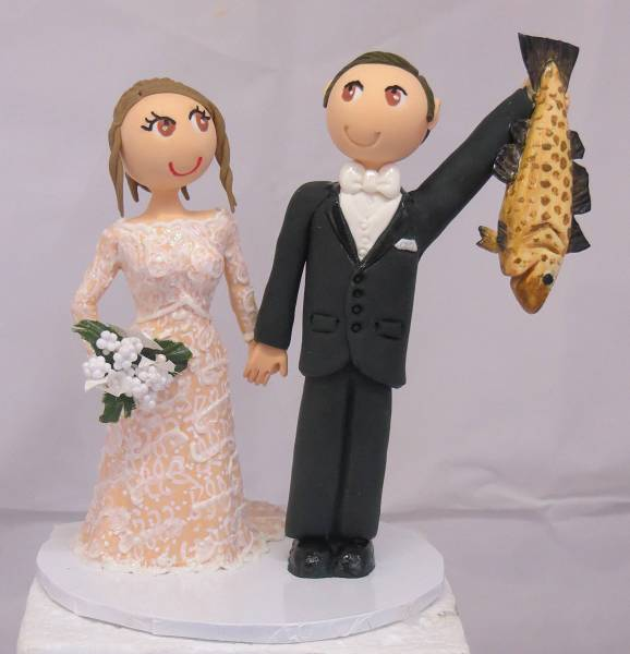 Bride & groom with fish